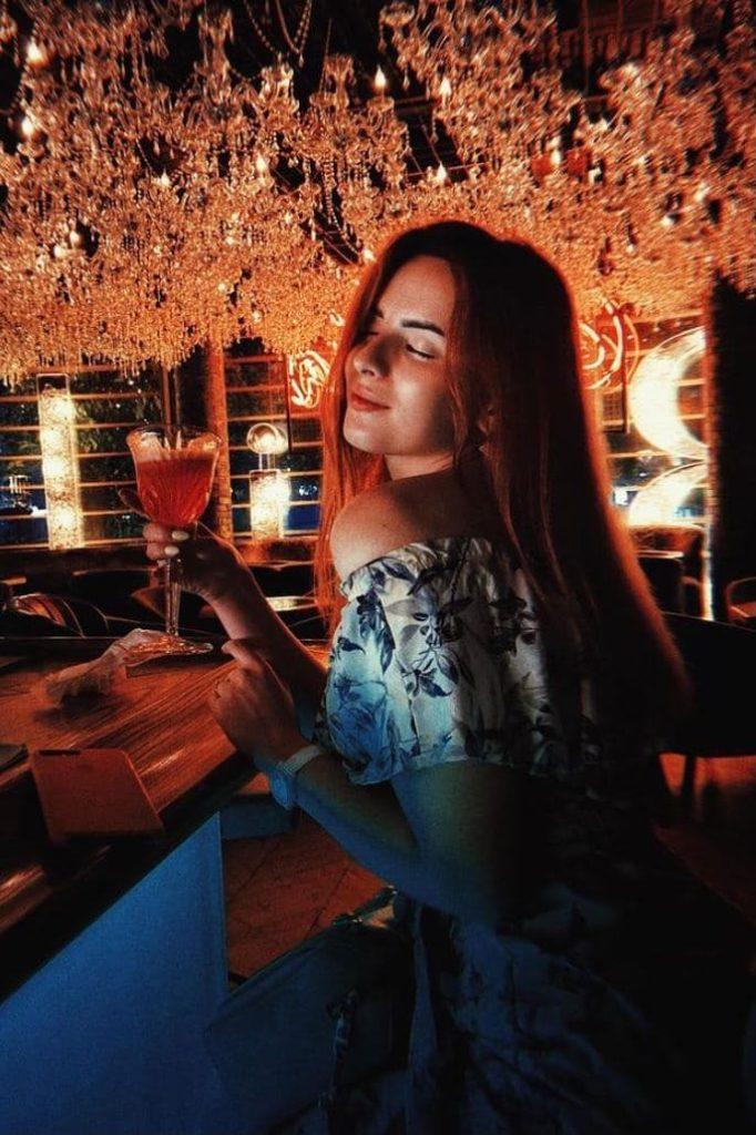 Проститутки Москвы не против растяжки попы